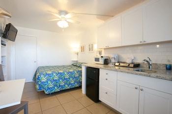 Standard Room, 1 Queen Bed, Bay View