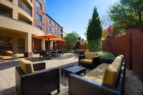 . Courtyard by Marriott Blacksburg