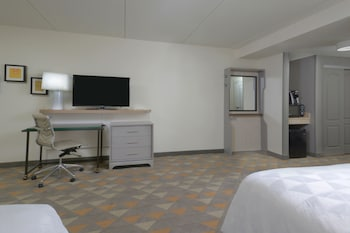Room, 2 Queen Beds, Accessible, Non Smoking (Hearing, Mobility Tub)