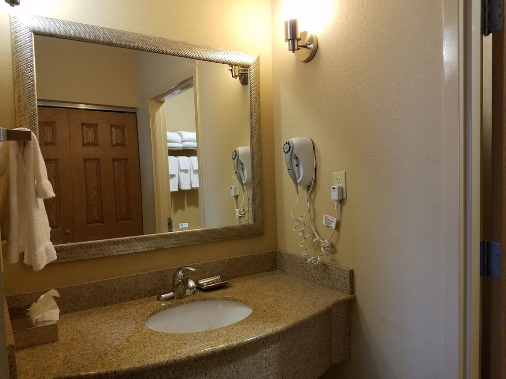 Room, Accessible, Kitchen (Mobility, Bathtub)