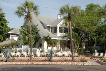Hotel - Beach Drive Inn Bed & Breakfast