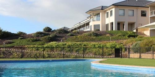 . Links Lady Bay Resort