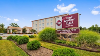 Hotel - Best Western Plus Crossroads Inn & Suites