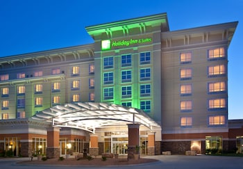 Holiday Inn & Suites Jordan Creek