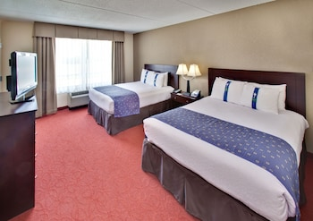 Suite, 2 Queen Beds, Non Smoking (Queen Pullout)