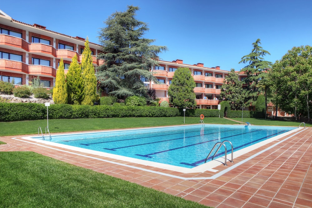 Montserrat Hotel & Training Center, Featured Image