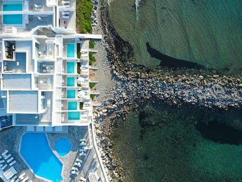 Kokkini Chani - Knossos Beach Bungalows Suites Resort & Spa - z Warszawy, 1 kwietnia 2021, 3 noce