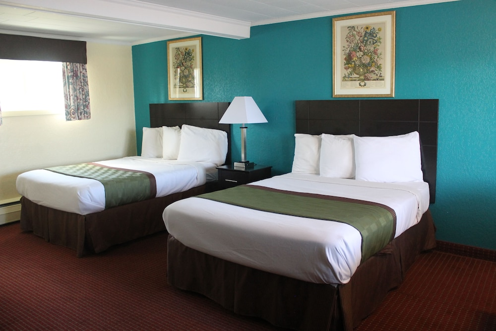 Room : Standard Double Room, 2 Double Beds, Non Smoking 55 of 130