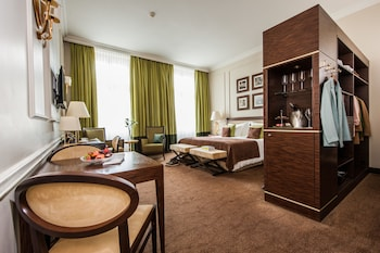 X-Ordinary Room