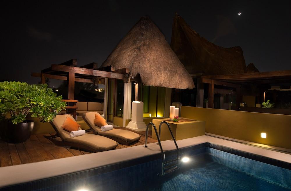 Pueblito Escondido Luxury Condohotel, Cozumel