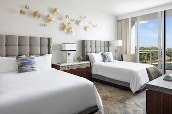 Room, 2 Queen Beds, Balcony, Partial Ocean View
