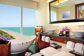 Room, 2 Double Beds, Balcony, Oceanfront