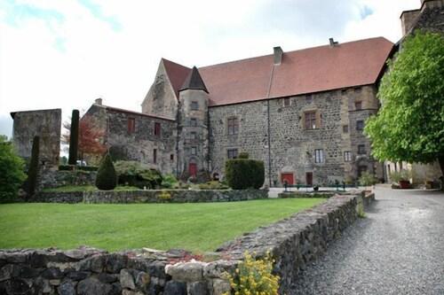 . Château Royal de Saint-Saturnin