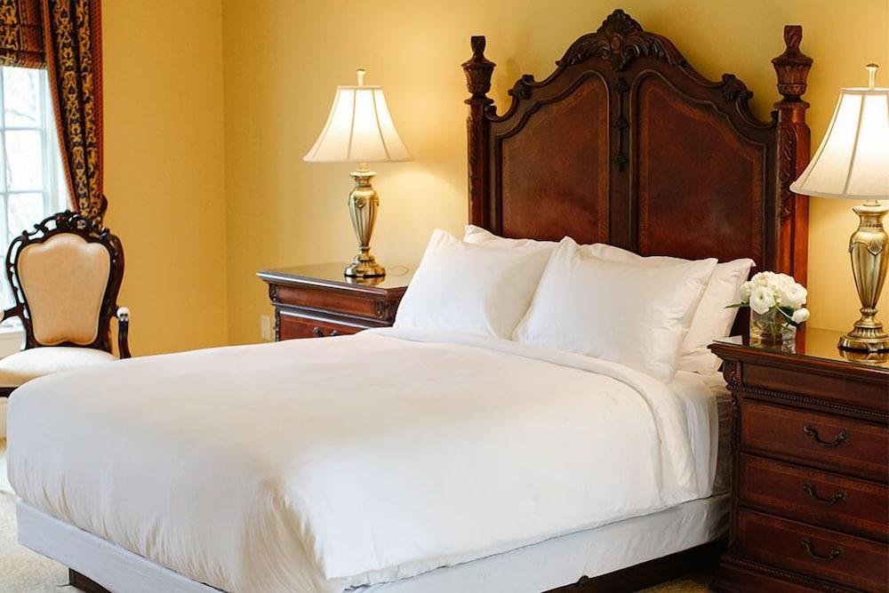 https://i.travelapi.com/hotels/2000000/1750000/1749400/1749344/25220d5c_z.jpg