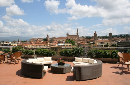 . Hotel Continentale