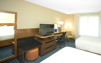 Guestroom at Fairfield Inn & Suites by Marriott Chesapeake Suffolk in Chesapeake