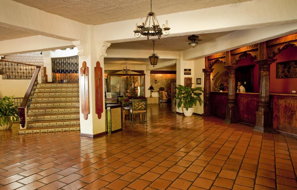 https://i.travelapi.com/hotels/2000000/1760000/1753000/1752985/20026cbc_z.jpg
