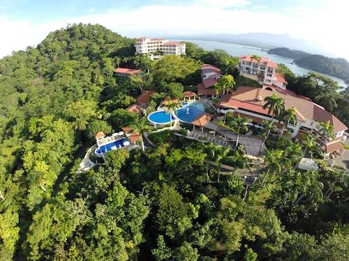 . Hotel Parador Resort And Spa