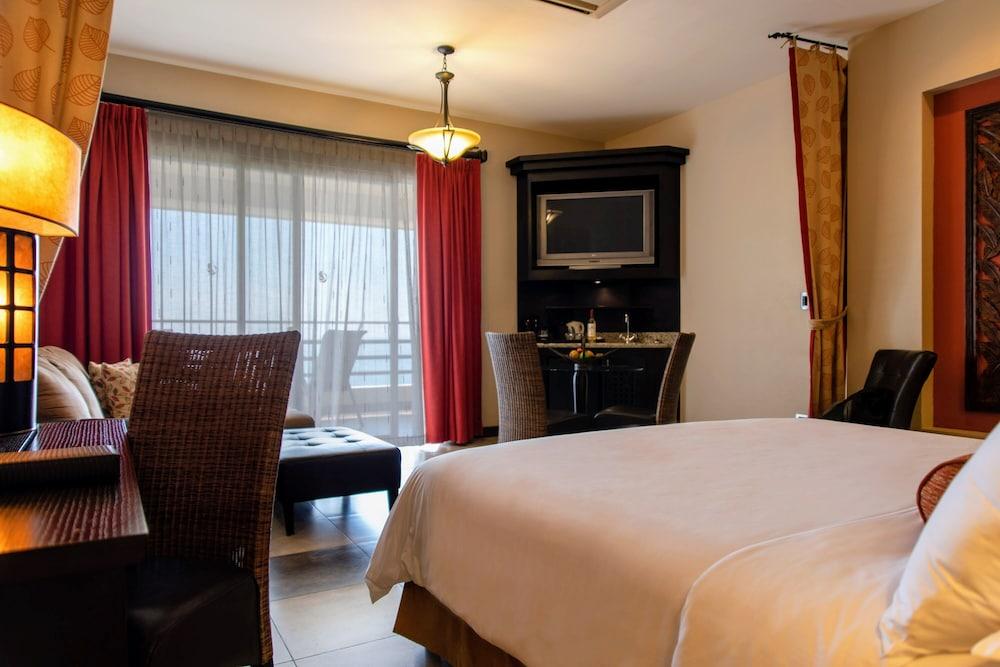 https://i.travelapi.com/hotels/2000000/1760000/1753000/1752985/50359a18_z.jpg