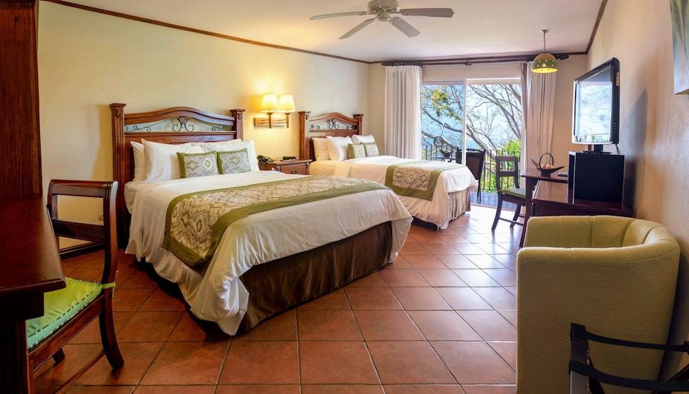 https://i.travelapi.com/hotels/2000000/1760000/1753000/1752985/7b643825_z.jpg