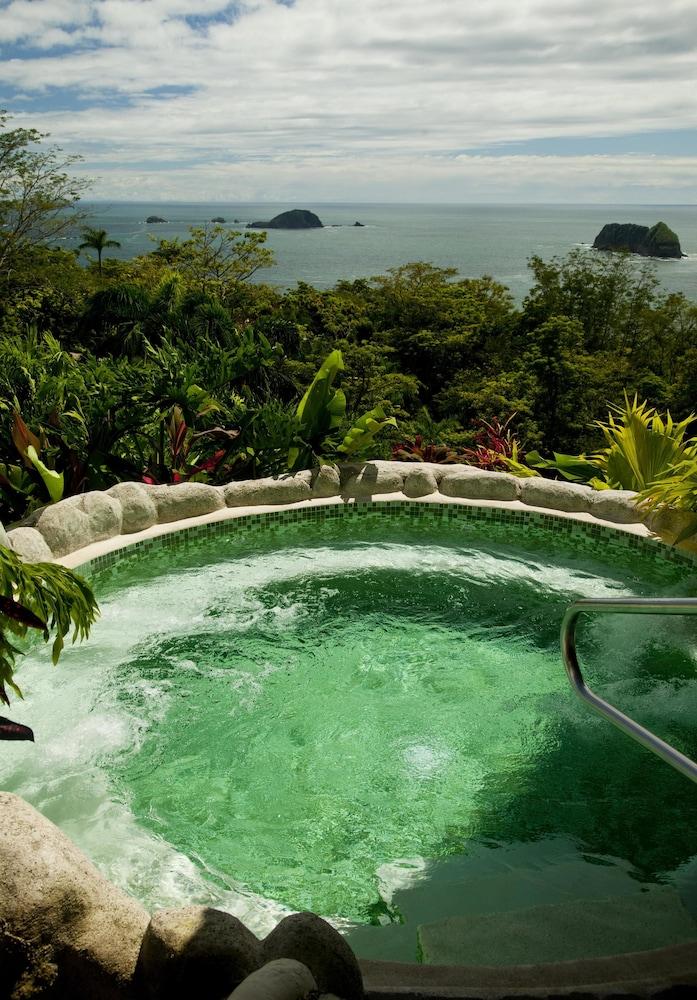 https://i.travelapi.com/hotels/2000000/1760000/1753000/1752985/af13ab7e_z.jpg