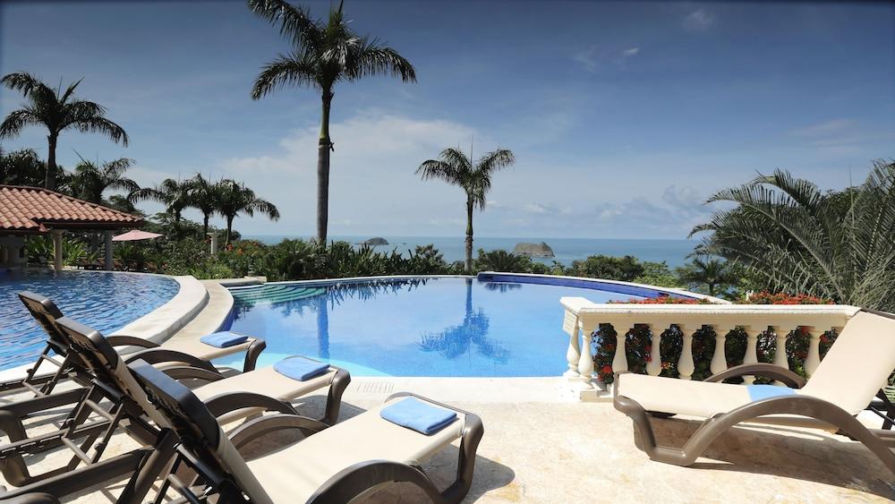 https://i.travelapi.com/hotels/2000000/1760000/1753000/1752985/b599ff66_z.jpg