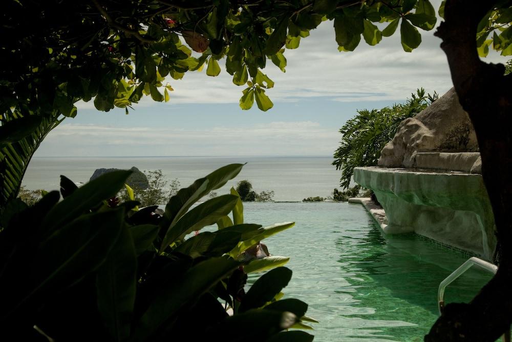 https://i.travelapi.com/hotels/2000000/1760000/1753000/1752985/bf799013_z.jpg