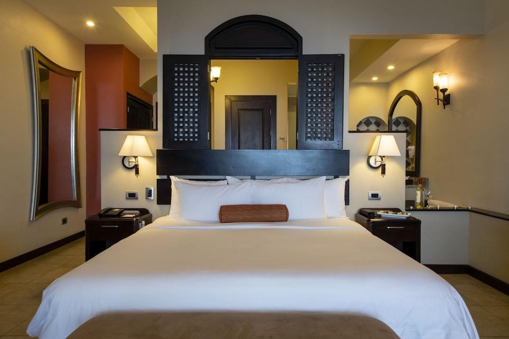 https://i.travelapi.com/hotels/2000000/1760000/1753000/1752985/eb754ccf_z.jpg