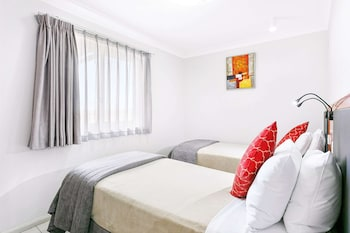 Suite, 2 Twin Beds, Non Smoking