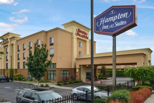 . Hampton Inn & Suites Tacoma-Mall
