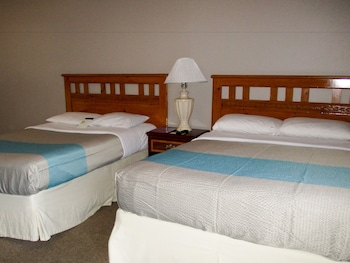 Deluxe Room, 1 King Bed, Non Smoking, Kitchenette