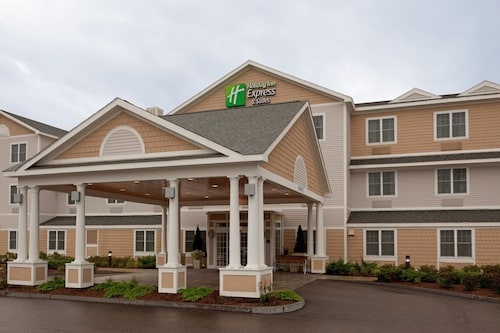 . Holiday Inn Express Hotel & Suites Rochester