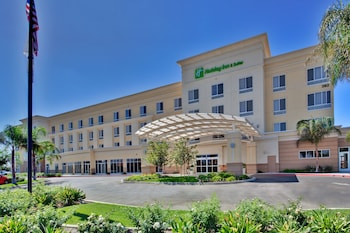 巴克斯菲德假日酒店 Holiday Inn Hotel & Suites Bakersfield