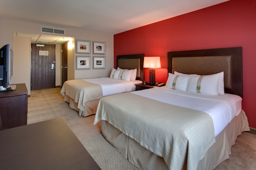 Holiday Inn Hotel & Suites Bakersfield, Kern