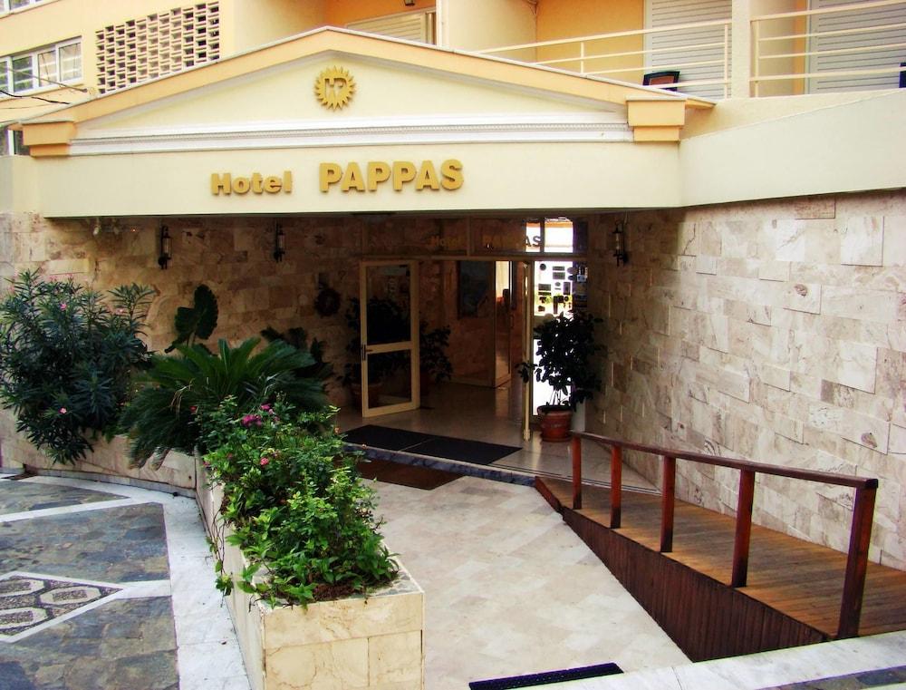 https://i.travelapi.com/hotels/2000000/1760000/1754000/1753916/3c9ec43d_z.jpg