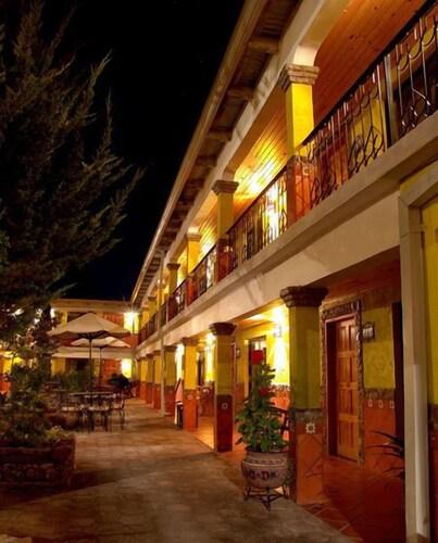 . Plaza Mexicana Margarita's Hotel