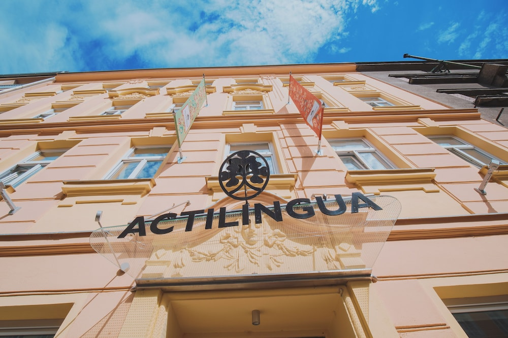 Actilingua Apartment Hotel