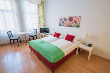 Standard Apartment, 1 Double or 2 Twin Beds