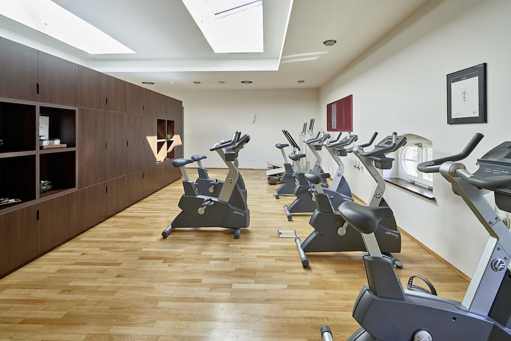 Health and Fitness : Fitness Facility 62 of 134