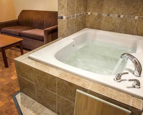 Comfort Suites Monaca, Beaver