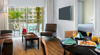 One Bedroom Suite, Pool View