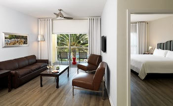 Suite, 2 Bedrooms, Pool View