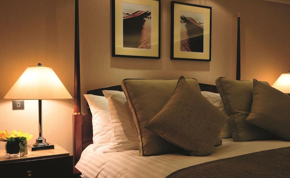 https://i.travelapi.com/hotels/2000000/1770000/1760200/1760175/4683081a_z.jpg