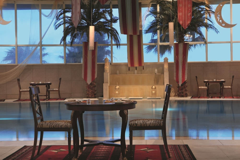 https://i.travelapi.com/hotels/2000000/1770000/1760200/1760175/98585946_z.jpg