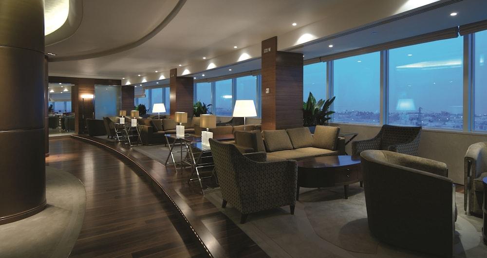https://i.travelapi.com/hotels/2000000/1770000/1760200/1760175/afd896df_z.jpg