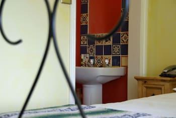 Double Room (Shared Bathroom)