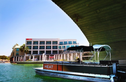 . Heat Hotel
