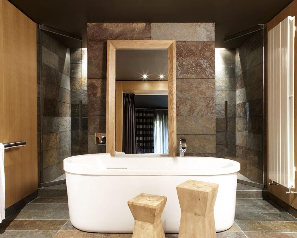 https://i.travelapi.com/hotels/2000000/1770000/1764400/1764354/2788da6f_z.jpg