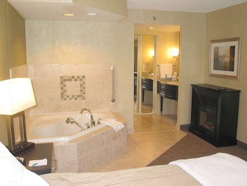 Suite, 1 King Bed, Smoking, Jetted Tub