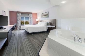 King Room, Jetted Tub